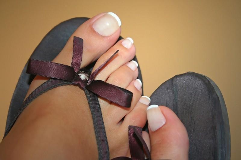 обрезка ногтей